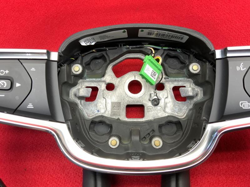VL025 XB XC40 T4 モメンタム 2WD 本革 ステアリング ハンドル ◆黒革/ブラック 【動画有り】◎★即決★